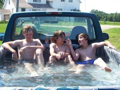 Redneck swimming pool - YouTube